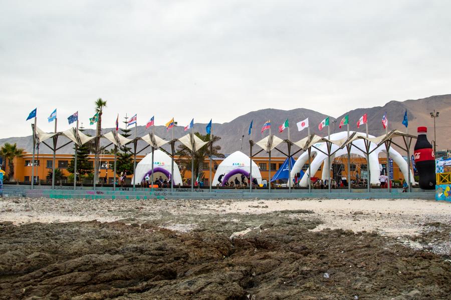 El evento refleja la internacionalidad de las naciones competidoras, mientras que las banderas nacionales ondean en el viento. Foto: ISA/Pablo Jimenez