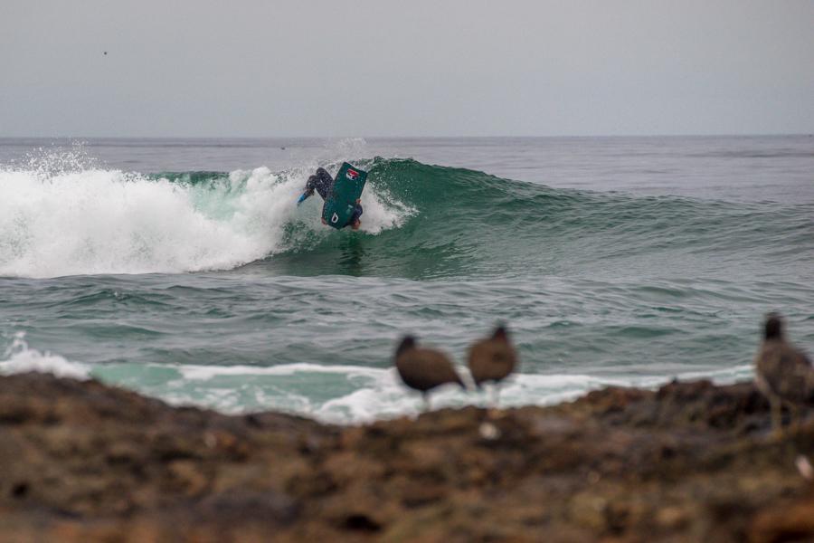 Los competidores esperan que la Punta 1 se despierte y proporcione buenas olas para la competencia. Foto: ISA/Sean Evans