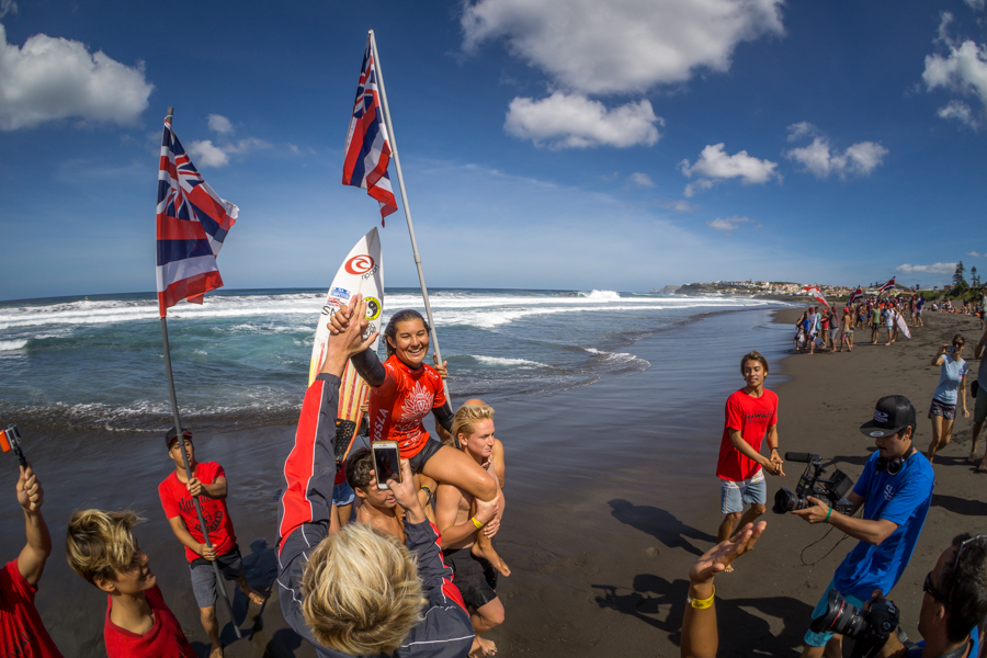 Brisa Hennessy de Hawaii tomó el Oro en la división de Mujeres Sub 18 luego de haber ganado el Bronce en la edición 2015. Foto: ISA / Sean Evans