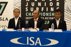 NSA Vice President Sakai Atsushi,The Mayor of Hyuga, Kouhei Toya and ISA President Fernando Aguerre. PHOTO: ISA / Evans