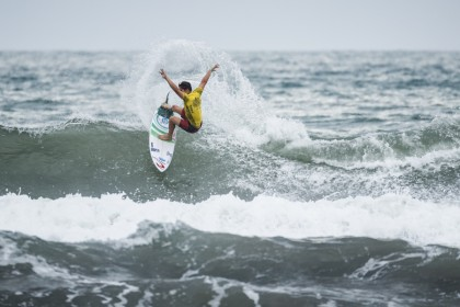 Upsets and Moody Weather Reign at Okuragahama Beach on Day 4 of 2017 VISSLA ISA World Junior Surfing Championship