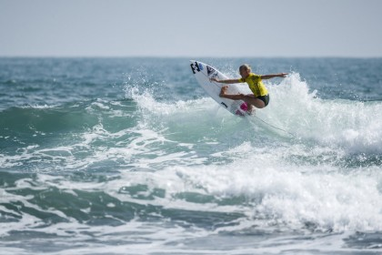Junior Girls Steal Show, Impress with World-class Surfing on Day 2 of 2017 VISSLA ISA World Junior Surfing Championship