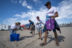 Surfrider Foundation Beach Clean Up. PHOTO: ISA / Ben Reed