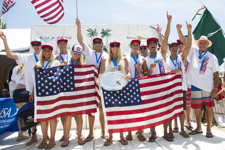 Team USA celebrating on the podium after winning the World Team Champion Trophy and Gold Medal. USA's six individual Gold Medals were enough to dethrone the reigning champions Australia. Photo: ISA/Ben Reed