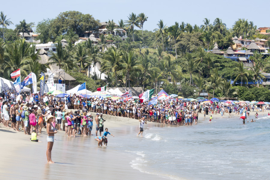 The whole town of Sayulita joined the international crowd to witness the ISA World Championship and support the athletes. Photo: ISA/Ben Reed