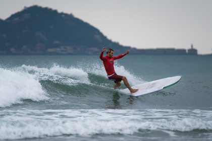 World's Best Longboarders Impress on Opening Day of Competition at 2018 ISA World Longboard Surfing Championship