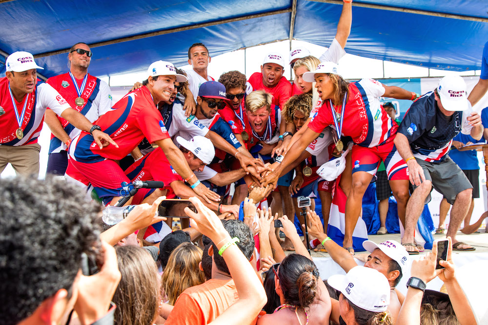 Costa Rica's Noe Mar McGonagle dominates the Men's Final to win the Gold Medal as well as lock in the Team World Champion for his country. Photo: ISA/Reed