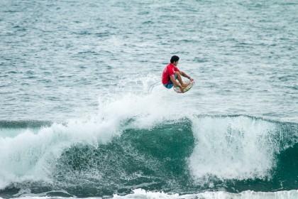Las Series de Repechaje Eliminan a los Primeros Competidores del INS ISA World Surfing Games 2016