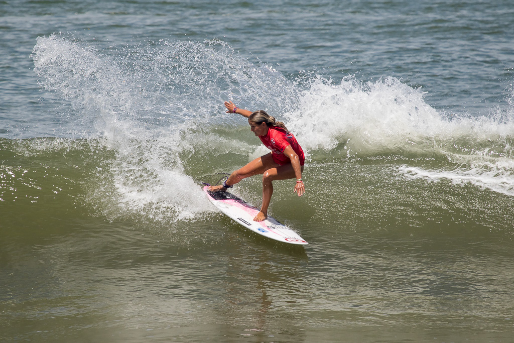 France's Pauline Ado snaps as she marches on through the Repechage Rounds. Photo: ISA / Pablo Jimenez