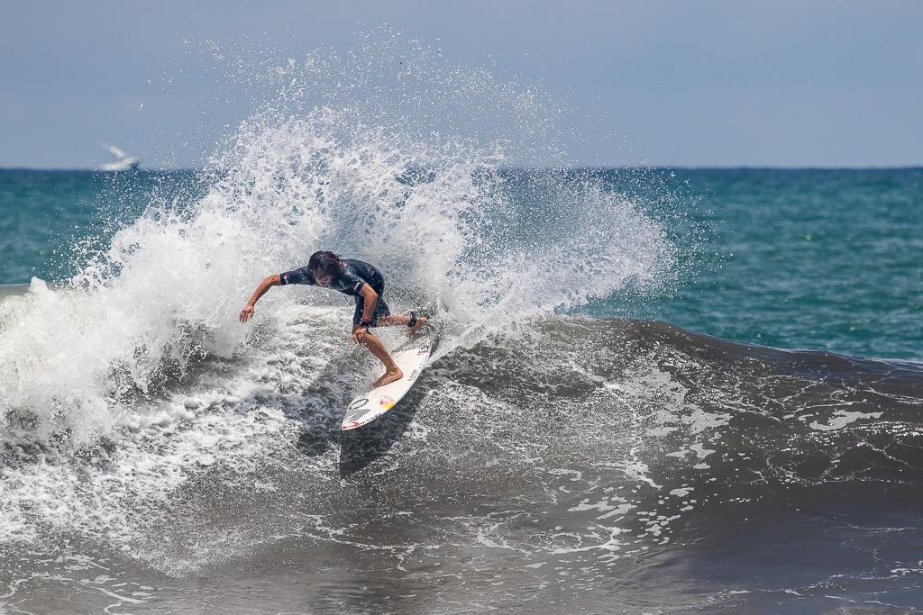 Hiroto Arai obtuvo el puntaje de ola individual más alto de la competencia (9.87) en el Día 6 de la competencia. Foto: ISA/Pablo Jimenez