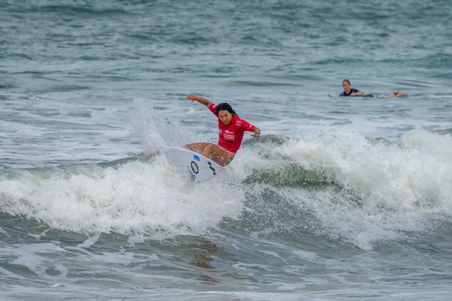 Nagisa Tashiro obtuvo 12.27 puntos para dejarse el primer lugar en su serie de Repechaje. Foto: ISA/Sean Evans
