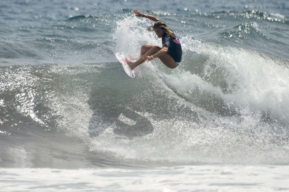 Female Surfers Provide Powerful Punch on Day 2 of 2016 INS ISA World Surfing Games