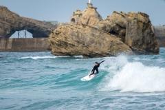 Girl Surfer Biarritz. PHOTO: ISA / Evans