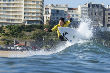 Fierce Elimination Rounds Bring Open Men One Step Closer to Gold at the ISA World Surfing Games