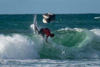 Los Hombres Toman el Relevo con una Demostración de Surfing Global y Explosivo en el ISA World Surfing Games
