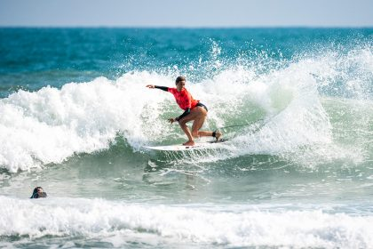 Stacked Women's Heats to Decide 2018 UR ISA World Surfing Games World Team Champion
